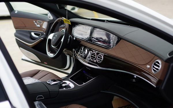 dòng xe oto Mercedes s500l AMG 2018 (5)