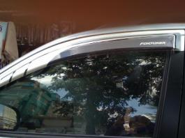 Tác dụng của vè che mưa cho xe ô tô bán tải